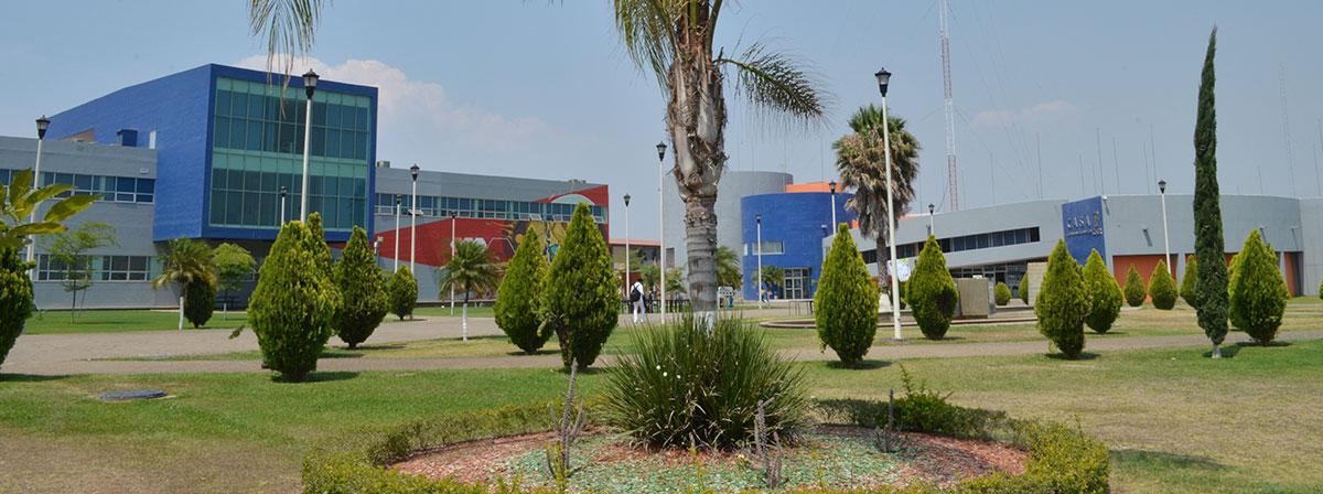 "Panoramic view of the buildings ""L"" and ""CASA"""
